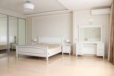 Кровать Юта 20-11, туалетный столик Юта 17-11, тумба прикроватная Юта 18-11, зеркало Юта 21-11.