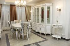 Витрина Палермо 22, стол кофейный Палермо 16, стол Альт 66-11, стул Сибарит 35-11.