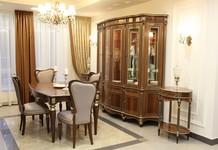 Стол Альт 66-11, стулья Сибарит 35-11, витрина Палермо 22,столик кофейный Палермо 16.